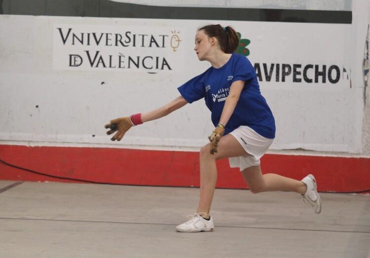 Foto. Maria de Beniparrell, campiona de 3ª femenina