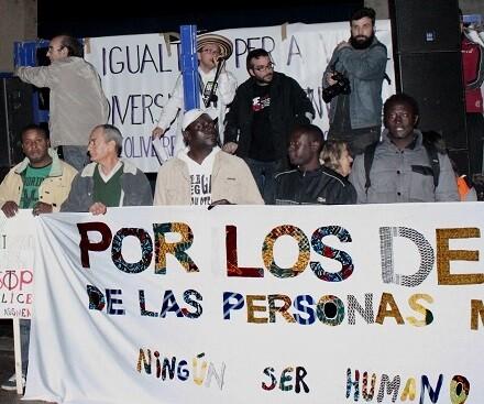 Grupos de inmigrantes de diferentes nacionalidades participaron de la marcha. (Foto-VLCNoticias)