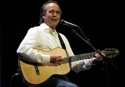 Joan Manuel Serrat durnate un concierto en Valencia. (Foto-Archivo)