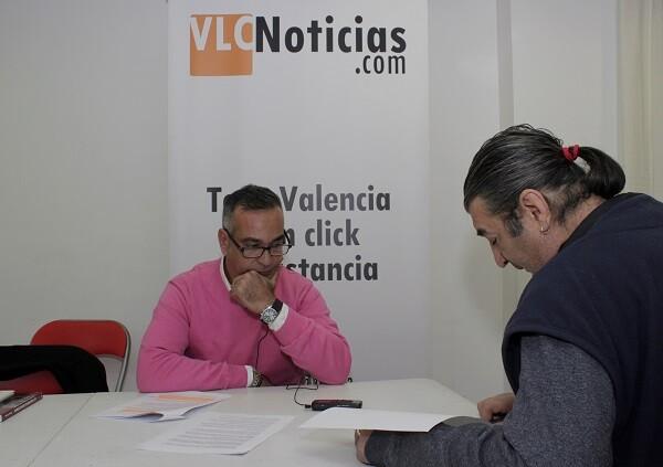 Juan Carlos Bonillo Soler en un momento de la entrevista. (Foto-VLCNoticias)