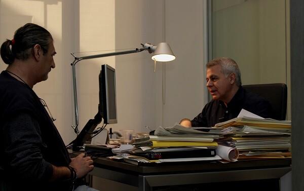 Juan Soto, durante un momento de la entrevista en su despacho del PSPV-PSOE. (Foto-VLCNoticias)