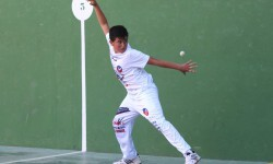 Jugador de frontó de El Puig, categoría infantil