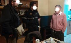 La Policía Local de Valencia atiende a un enfermo de alzheimer que pedía auxilio desde una ventana