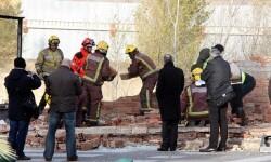 La caída de un muro prvoca 2 muertos en Catalunya. (Foto-Agencias)