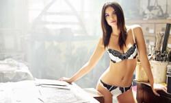 La producción de Emily Ratajkowski en ropa interior Me siento sexy y segura (7)