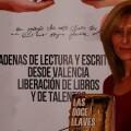María Villamayor con su libro 'Las doce llaves'. (Foto-VLCNoticias)