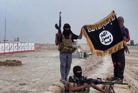 Miembros de Al Qaeda toman el control de un edificio militar en Siria. (Foto-AP)