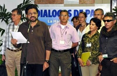 Miembros de las FARC durante la reunión de Paz en La Habana. (Foto Marcelino Vázquez)