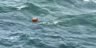 Objetos flotantes facilitaron la localización del avión. (Foto-AFP)