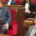 Oriol Junqueras y Artur Mas en el parlamento catalán. (Foto-Agencias)