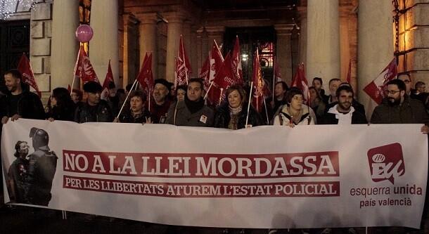 Participantes e la manifestación. (Foto-VLCNoticias)