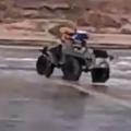 Quiso conducir sobre un lago congelado  murió ahogado   Videos  Rusia  Accidente   América