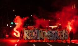 'Recupera la calle' era el slogan de los manifestantes en su pancarta. (Foto-Agencias)