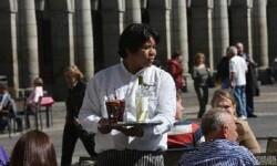 Un inmigrante incorporado al mercado laboral. (Pool Moncloa-Acceso libre)