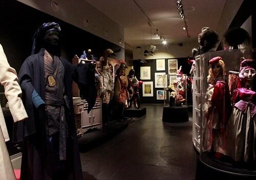 Vista de los trajes y vestuarios de la exposición. (Foto-VLCNoticias)