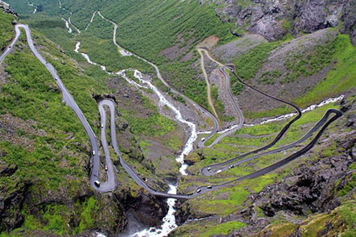 http://commons.wikimedia.org/wiki/File%3A2012-07_Trollstigen.jpg