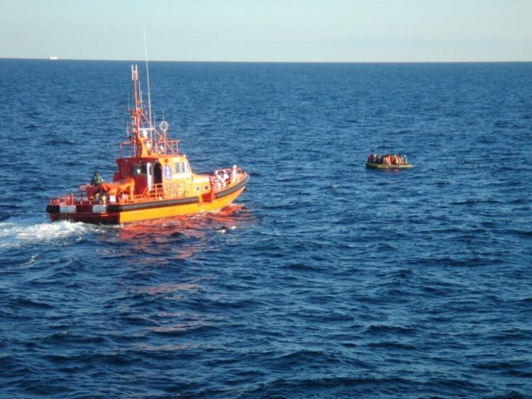150127-El-Vigia-colabora-rescate-inmigrantes-02
