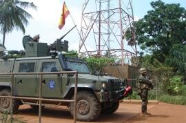 3943_Patrullas_espanyolas_atacadas_Bangui