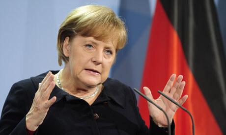 Angela Merkel avala la continuidad de Grecia en la Moneda Única.
