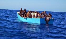 Balseros cubanos con dirección a Miami. (Foto-Agencias)