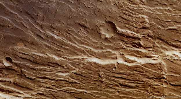 Chasms_and_cliffs_on_Mars_large