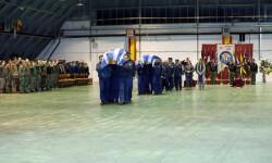 Despedida de los restos mortales de los pilotos griegos fallecidos en el accidente de Albacete (3)