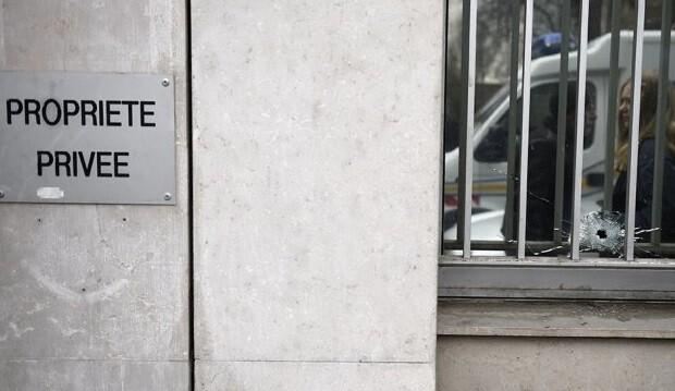 Disparos en la oficina de la revista humorística. (Foto-AFP)
