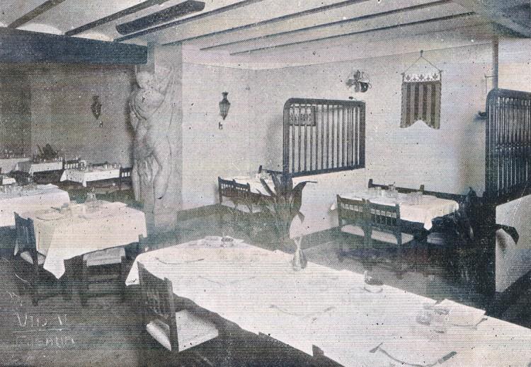 El Nano en el comedor del hostal. 1933. A. P. R. S.