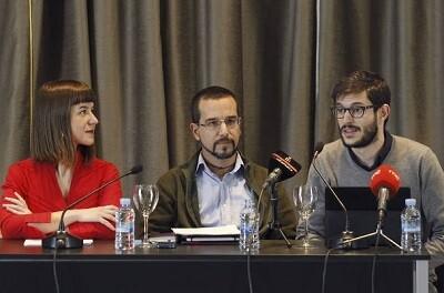 El secretario de Organización de Podemos, Sergio Pascual (c), con los responsables del Área de Círculos, y Procesos Municipales Constituyentes.