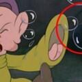 En Blancanieves también aparece el ratón.