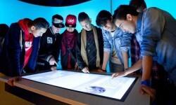 Exposición interactiva crea por la Caixaforum para los jóvenes estudiantes.