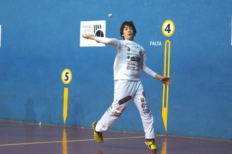 Foto 4. Jugador infantil de El Puig, Marco