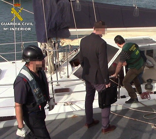 Guardia Civil captura el velero con drogas.