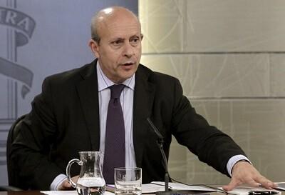 José Ignacio Wert, ministro de Educación en su intervención con los medios en una imagen de archivo. (Foto-Agencias) - copia