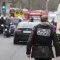 La policía recorre las calles de París. (Foto-Agencias)