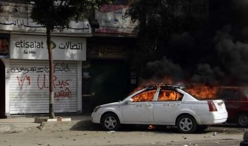 Las calles del El Cairo presentaban un ambiente de verdadero combate. (Foto-AFP)