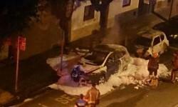 Los Mossos detienen a cuatro hombres por prender fuego al vehículo de una policía local