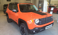 MMV-Jeep-Renegade-Trailhawk-2