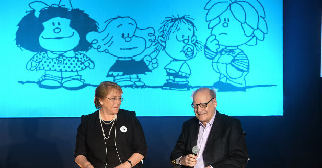 Michelle Bachelet junto al dibujante Quino. (Foto-Agencias)