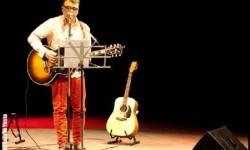 Nestor Mir en uno de sus recitales.