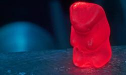 Ositos-de-gominola-bajo-fuego-antimateria-para-mejorar-las-capsulas-medicinales_image_380