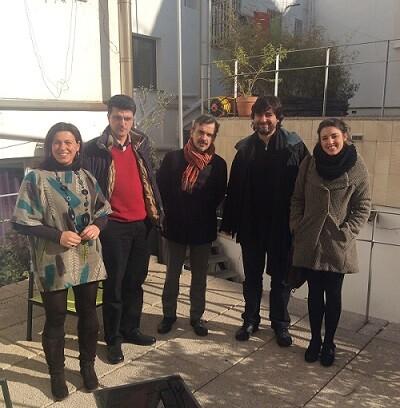 Representantes de Podemos junto a miembros de la Plataforma por un Nuvo Modelo Energético.