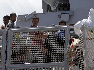 Rescate de los inmigrantes. (Foto-Agencias)