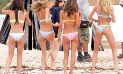 Victoria-Secret-Models-During-A-Photoshoot-In-Puerto-Rico-08-580x435