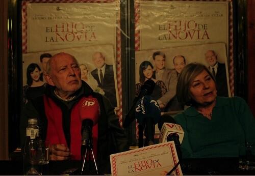 Álvaro de Luna y Tina Sainz durante la rueda de prensa en el teatro Olympia. (Foto-Valencia Noticias)