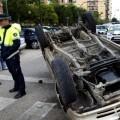 Accidente de tráfico en zona urbana.