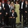 Alejandro González Iñárritu agradeció a todo su equipo el logro de la estatuilla. (Foto-AFP)