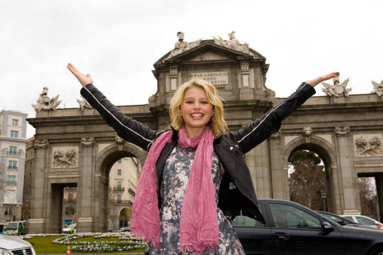 Alexandra Beaton, protagonista de The Next Step visita Madrid disney (3)