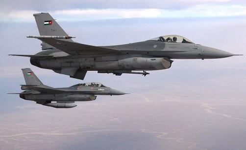 Aviones de guerra jordanos lanzaron sus bombas sobre el Estado Islámico.