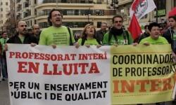 Cabeza de la manifestación de profesores interinos. (Foto-Valencia Noticias)